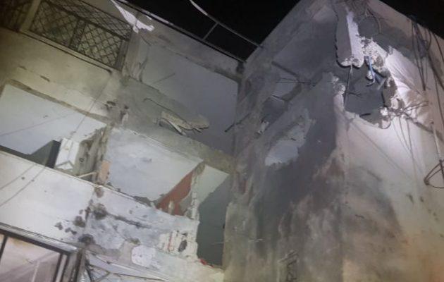 Νεκρός ανασύρθηκε άνδρας από τα συντρίμμια σπιτιού στο νότιο Ισραήλ που χτυπήθηκε από ρουκέτα της Χαμάς