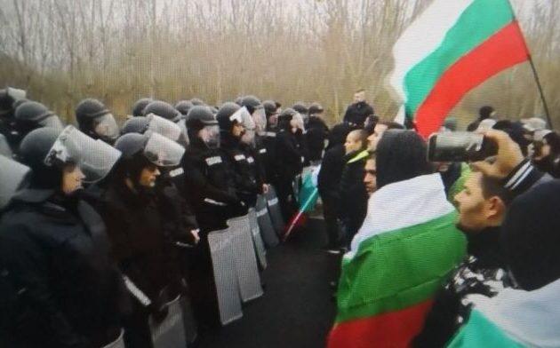 Ξεσηκωμός στη Βουλγαρία για τις αυξήσεις στα καύσιμα – Χιλιάδες στους δρόμους φωνάζουν «Μαφία»