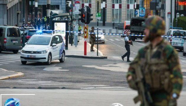 Άνδρας επιτέθηκε με μαχαίρι σε αστυνομικό στις Βρυξέλλες – Φώναζε «Αλλάχου Ακμπάρ»