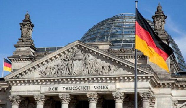 Η γερμανική κυβέρνηση θέλει ειρήνη στη Λιβύη και φαίνεται να συμφωνεί ότι τα «μνημόνια» Άγκυρας-Τρίπολης δεν στέκουν