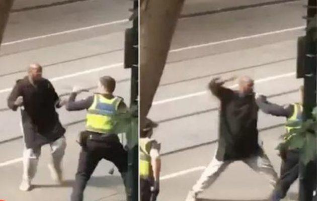 Το Ισλαμικό Κράτος ανέλαβε την ευθύνη για την επίθεση μαχαιροβγάλτη στη Μελβούρνη