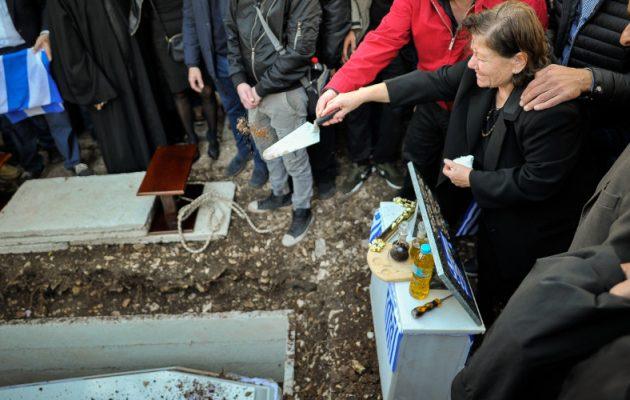 Το μοιρολόι στην κηδεία του Κατσίφα – «Σήκω Κωστάκη γιε μου» (βίντεο)