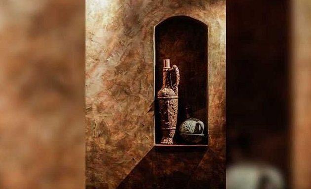 Κινέζοι αρχαιολόγοι βρήκαν σε τάφο κρασί ηλικίας 2.000 ετών