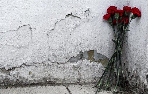 Θεσσαλονίκη: Στεφάνι στο μνημείο του Πολυτεχνείου κατέθεσε αντιπροσωπεία του ΣΥΡΙΖΑ