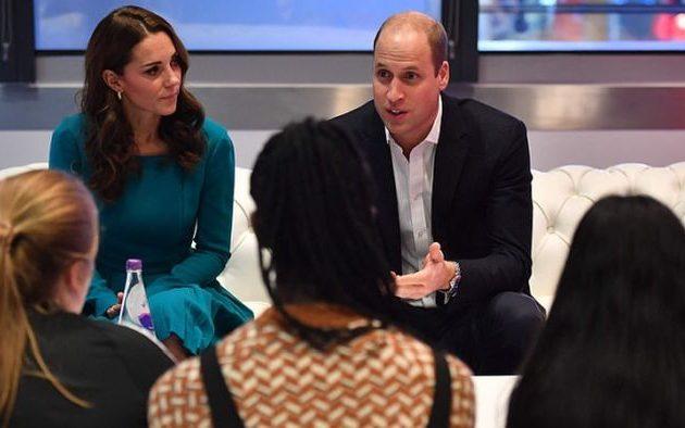 Ο πρίγκιπας Ουίλιαμ την «έπεσε» στα social media για τον ανεξέλεγκτο εκφοβισμό και τις ψευδείς ειδήσεις