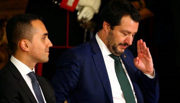 Süddeutsche Zeitung: Οι φωνακλάδες Σαλβίνι και Ντι Μάιο έπαιξαν με το μέλλον της Ιταλίας