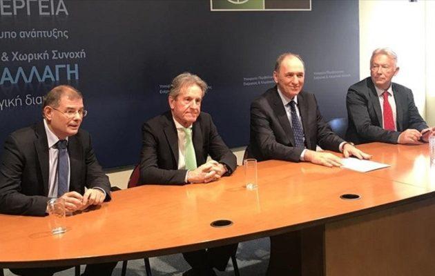 Υπογράφτηκε η σύμβαση για έρευνα και εκμετάλλευση υδρογονανθράκων στο Ιόνιο – Tι προβλέπεται