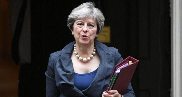 Νέα παράταση του Brexit προωθεί η Μέι