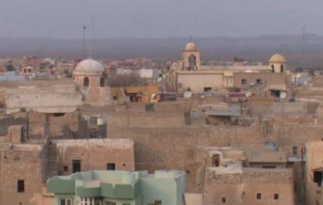 Να ξαναχτίσουν τη χριστιανική κωμόπολη Τεσκόπα που κατέστρεψε το Ισλαμικό Κράτος αγωνίζονται οι κάτοικοί της