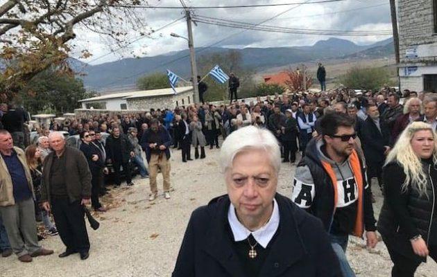 Η Αλβανία κήρυξε ανεπιθύμητη την ευρωβουλευτή Ελένη Θεοχάρους – Κλιμακώνουν για να μην συμφωνήσουν σε ΑΟΖ