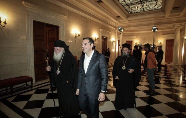 Πιέσεις ΝΔ να «ξηλώσουν» τον Ιερώνυμο για τη συμφωνία με Τσίπρα για την Εκκλησία