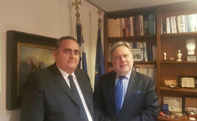 Ο πρόεδρος της Ομόνοιας Χειμάρρας συναντήθηκε με τον Κατρούγκαλο στο ΥΠΕΞ