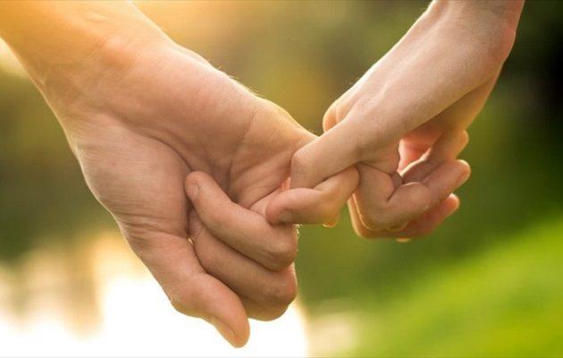 Τα δάχτυλα δείχνουν αν μια γυναίκα είναι άπιστη – Αποκαλυπτική έρευνα