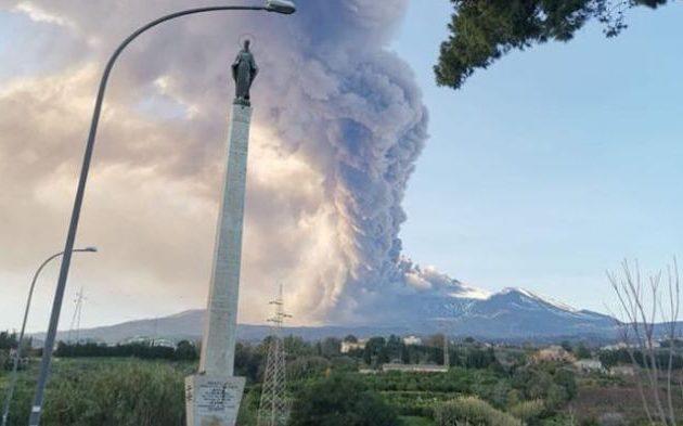 Εξερράγη η Αίτνα, το ενεργότερο ηφαίστειο της Ευρώπης (φωτο+βίντεο)