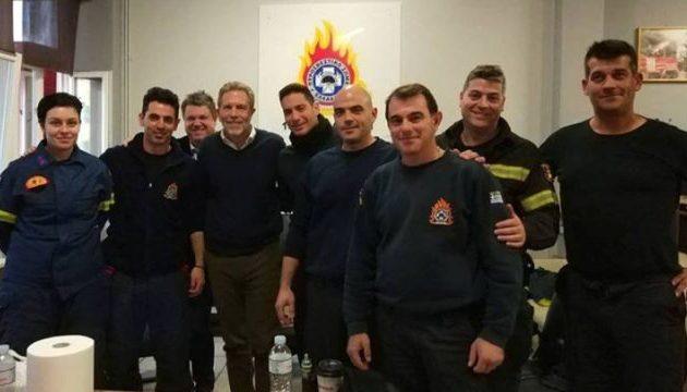 Χριστουγεννιάτικη επίσκεψη στους πυροσβέστες έκανε ο Παύλος Γερουλάνος