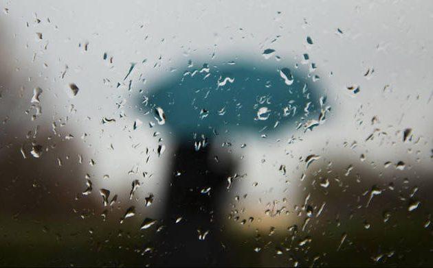 Χειμωνιάτικος ο καιρός τη Δευτέρα με βροχές, καταιγίδες και μποφόρ