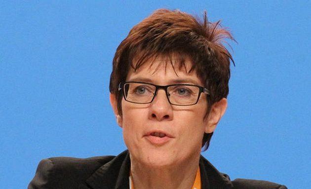 Καρενμπάουερ: Bασικό μου μέλημα η ενότητα του CDU