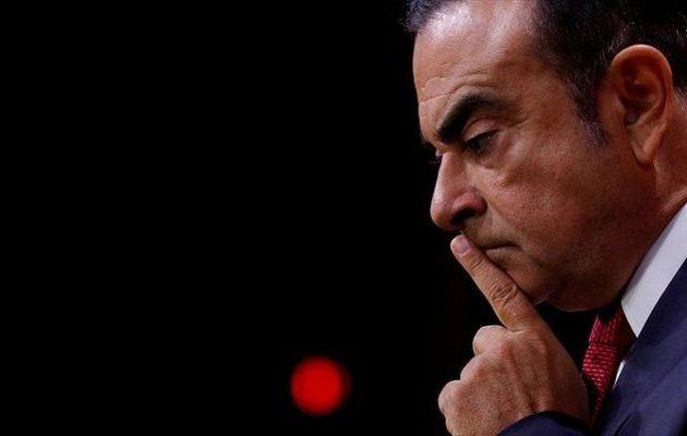 Η Ιαπωνία απήγγειλε κατηγορίες εναντίον του πρώην αφεντικού της Nissan