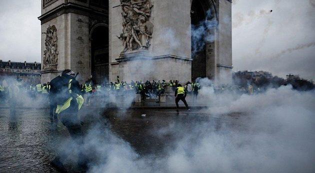 Οι χώρες της Ευρώπης φοβούνται για την ασφάλεια των πολιτών τους λόγω «Κίτρινων Γιλέκων»