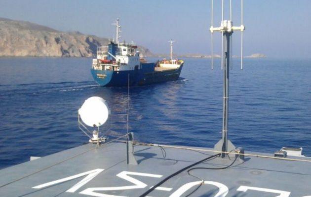 Υπό επιτήρηση πλέει προς το Ηράκλειο Κρήτης φορτηγό πλοίο από τη Συρία με ύποπτο φορτίο