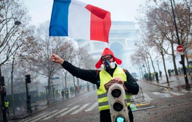 Η γαλλική κυβέρνηση αποφασισμένη να συντρίψει τα «Κίτρινα Γιλέκα» αυτό το Σάββατο