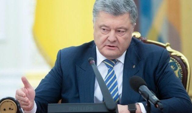 Πέτρο Ποροσένκο: Δεν θα παρατείνω τον στρατιωτικό νόμο εκτός κι εάν επιτεθεί η Ρωσία