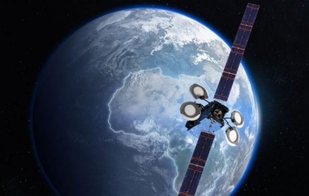 Η Boeing ακύρωσε την πώληση δορυφόρου σε εταιρεία με έδρα το Λος Άντζελες που «ελέγχεται» από την Κίνα