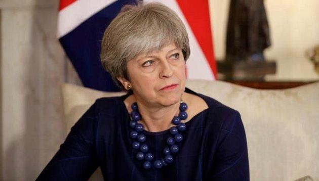 Ώρα μηδέν για Μέι – Κατατέθηκε στη Βρετανία η πρόταση μομφής