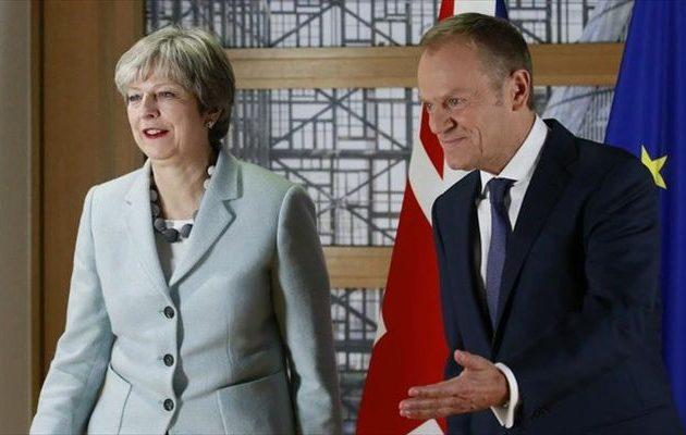 Η Μέι βλέπει Τουσκ στις Βρυξέλλες για το θέμα του Brexit