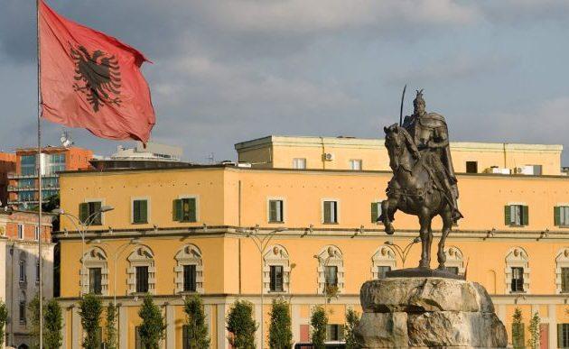 Διέρρευσαν όλα τα ονόματα Αλβανών κατασκόπων στην Ελλάδα και πληροφοριοδοτών στη Βόρεια Ήπειρο