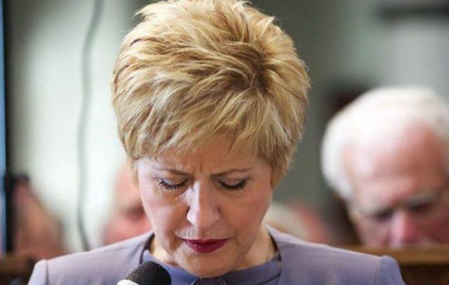 Η Κόλλια Τσαρουχά παραιτήθηκε «κραυγάζοντας» στο Facebook: «Η Μακεδονία είναι μία και είναι Ελληνική»