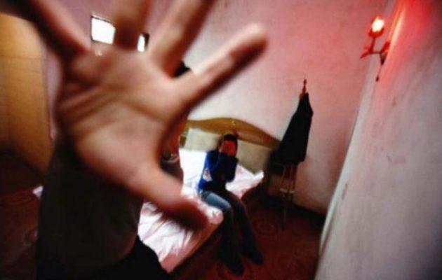 Καταγγελία-σοκ στην Εισαγγελία Βόλου: Μητέρα εξέδιδε τη 18χρονη κόρη της