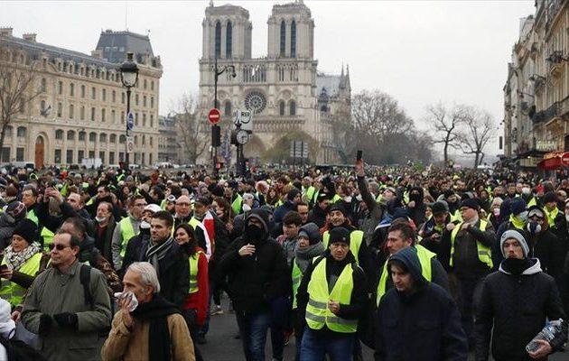 Επί ποδός 80.000 αστυνομικοί στη Γαλλία γιατί φοβούνται νέο «τσουνάμι» από τα Κίτρινα Γιλέκα