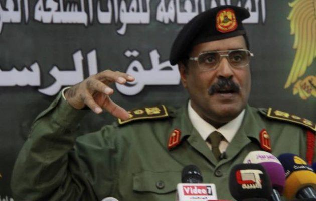 Η Αν. Λιβύη κατηγόρησε την Τουρκία ότι εξοπλίζει τζιχαντιστές και περιθάλπει τους τραυματίες τους