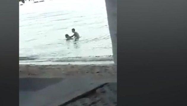 Ξαναμμένοι τουρίστες το «έκαναν» σε παραλία μπροστά σε όλους (βίντεο)