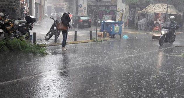 Χαλαζόπτωση «ταλαιπώρησε» πολλές περιοχές στην Αθήνα