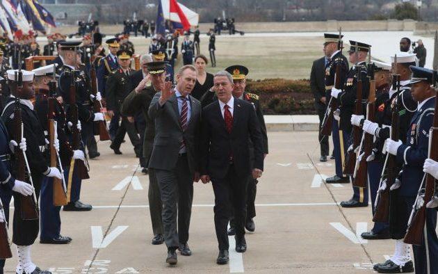 Ο Τούρκος Ακάρ πήγε στο Πεντάγωνο και «τα άκουσε» για S-400 και Συρία