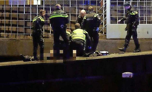 Πυροβολισμοί κοντά στην κεντρική τράπεζα της Ολλανδίας – Ένας νεκρός
