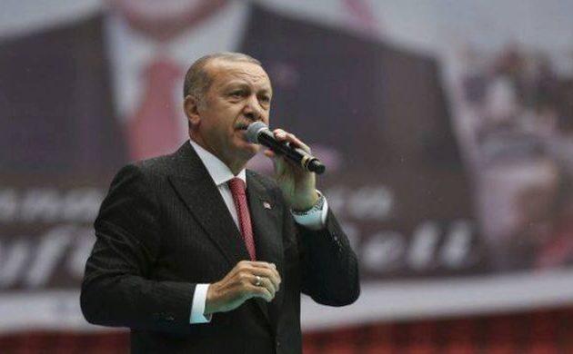 Ο Ερντογάν υποσχέθηκε φθηνές ντομάτες και πιπεριές σε προεκλογική συγκέντρωση