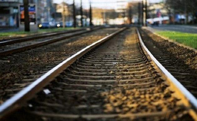 Έκοψαν τα καλώδια και ακινητοποίησαν τρένο στον Δομοκό