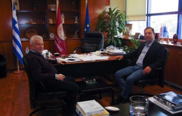 Καπάταης και Τζουλάκης συζήτησαν την άμεση έναρξη εργασιών για το νέο κλειστό της Νέας Σμύρνης