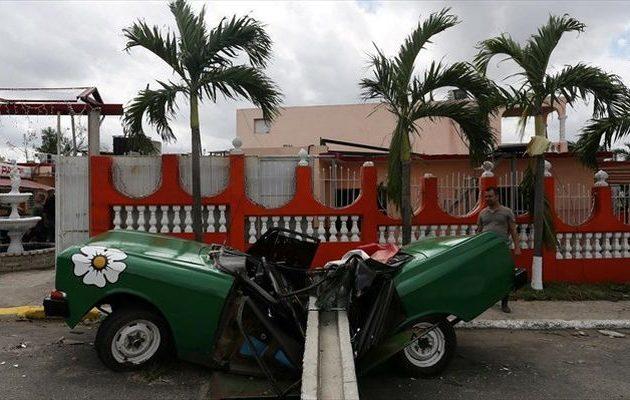 Τουλάχιστον έξι νεκροί από τον ανεμοστρόβιλο που «κύκλωσε» την Αβάνα στην Κούβα