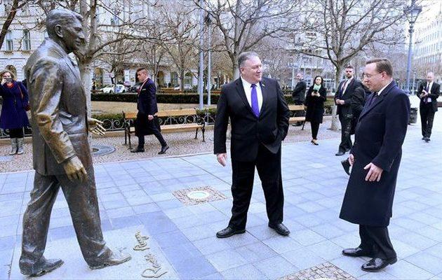 Τι συμφώνησε ο Μάικ Πομπέο με τον υπουργό Εξωτερικών της Ουγγαρίας