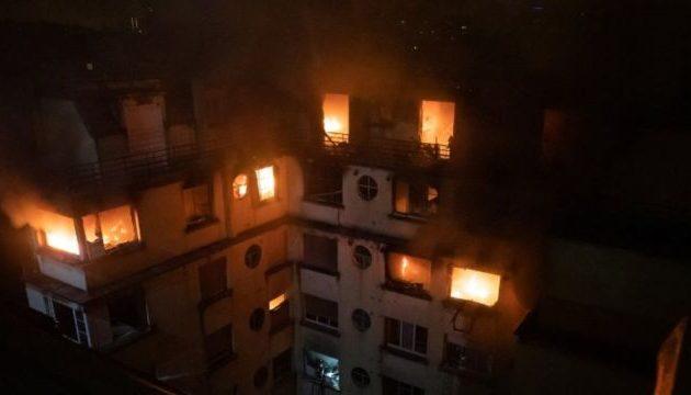 Εμπρησμός η φωτιά στην πολυκατοικία στο Παρίσι – Στους οκτώ οι νεκροί