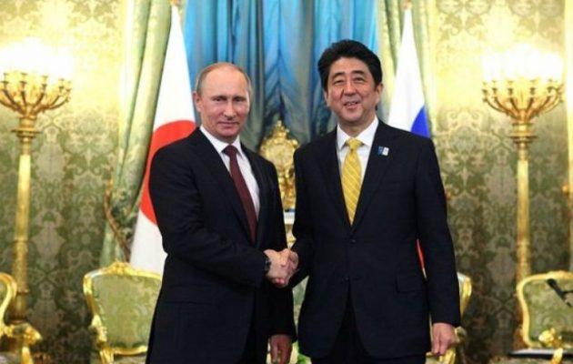 Ο Ιάπωνας πρωθυπουργός αποφασισμένος να υπογράψει συνθήκη ειρήνης με τη Ρωσία