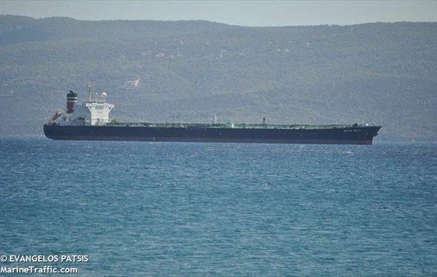 Δεξαμενόπλοιο πλέει ακυβέρνητο ανοιχτά της Αλονήσου