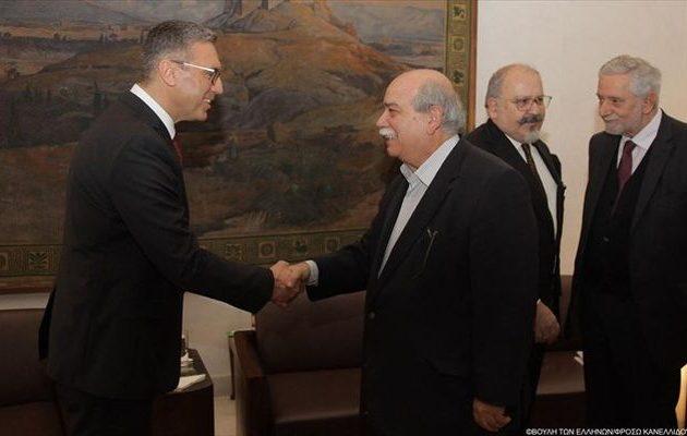 Τι είπε ο Βούτσης με τον νέο πρέσβη της Τουρκίας σε τετ α τετ στη Βουλή