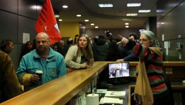 «Έφοδος» στο ΥΠΟΙΚ από εργαζόμενους στην Τοπική Αυτοδιοίκηση – Αναμένεται συνάντηση με Πιτσιόρλα