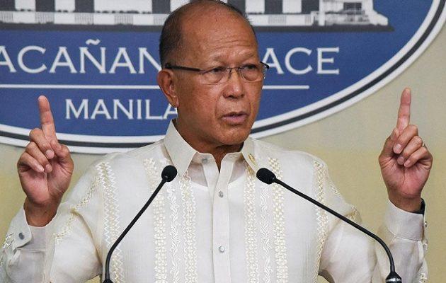 Ο υπ. Άμυνας Φιλιππίνων μιλά για πιθανή στρατιωτική εμπλοκή στη Νότια Σινική Θάλασσα