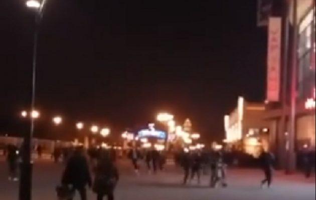 Παρίσι: Πανικός στην Disneyland – Η αστυνομία απέκλεισε το πάρκο (βίντεο)